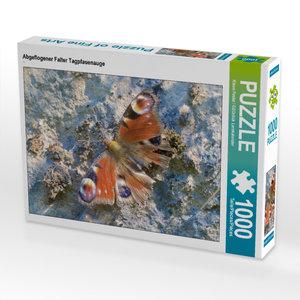 CALVENDO Puzzle Abgeflogener Falter Tagpfauenauge 1000 Teile Leg