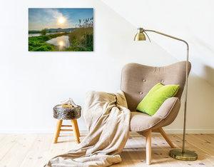 Premium Textil-Leinwand 75 cm x 50 cm quer Ruhe am Fluss, das Leben im Weserbergland geniessen
