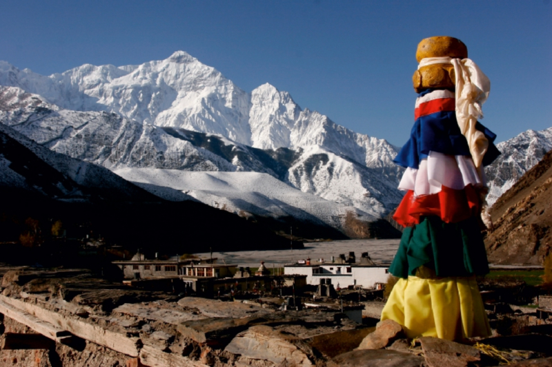 Premium Textil-Leinwand 75 cm x 50 cm quer Kagbeni im Himalaya,