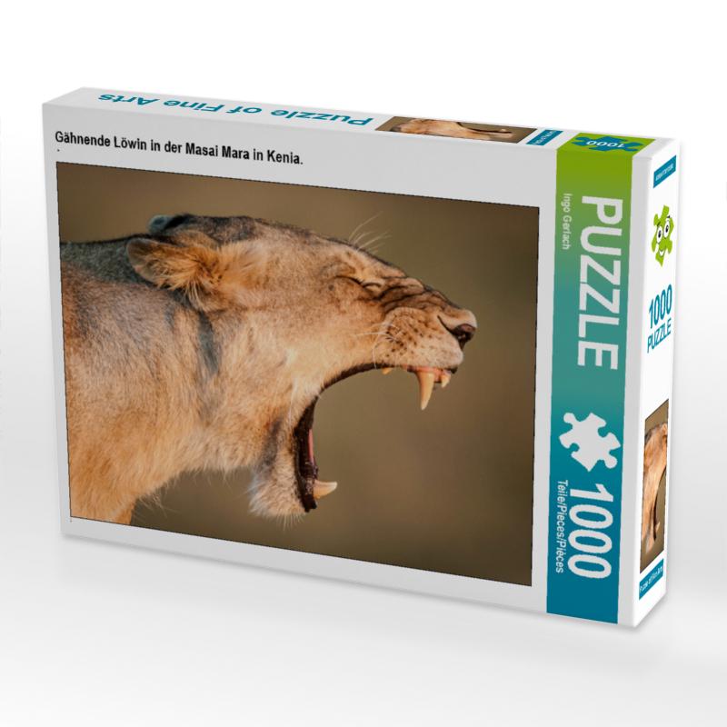 CALVENDO Puzzle Gähnende Löwin in der Masai Mara in Kenia. 1000