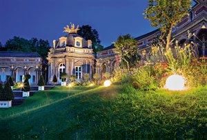 Premium Textil-Leinwand 120 cm x 80 cm quer Neues Schloss Eremit