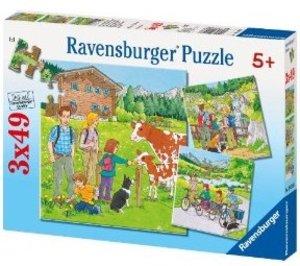 Ravensburger 09243 - Ferien in den Bergen, 3 x 49 Teile Puzzle