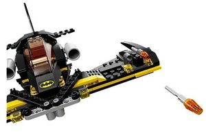 LEGO® DC Comics Super Heroes 76013 - Batman: Jokers Dampfroller