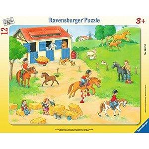 Ferien auf dem Reiterhof. Rahmenpuzzle 12 Teile