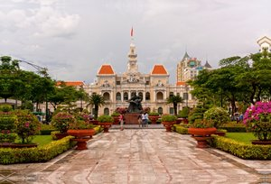 Premium Textil-Leinwand 90 cm x 60 cm quer Ho Chi Minh City