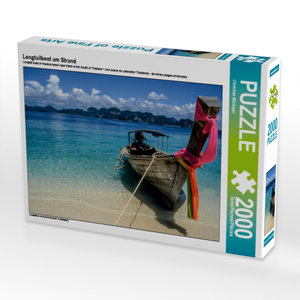 Longtailboot am Strand 2000 Teile Puzzle quer