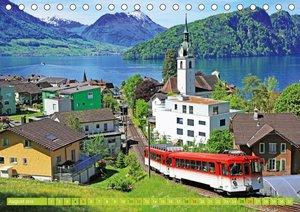 Im Zug durch Schweizer Berge