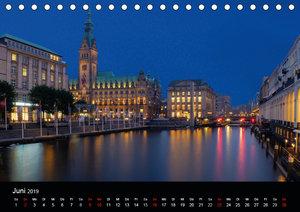 Deutsche Städte - Impressionen zur Blauen Stunde (Tischkalender