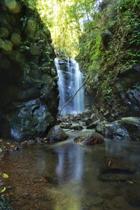 Premium Textil-Leinwand 50 cm x 75 cm hoch Wasserfall