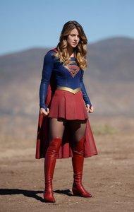 Supergirl: Die komplette 4. Staffel (4 Discs). Staffel.4, 4 Blu-