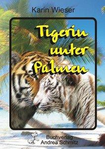 Tigerin unter Palmen