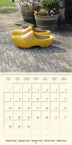 Wooden Objects (Wall Calendar 2015 300 × 300 mm Square)