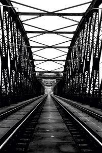 Premium Textil-Leinwand 60 cm x 90 cm hoch Prag, Eisenbahnbrücke