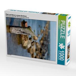 Pfahl und Steine in einem Gewässer 1000 Teile Puzzle hoch