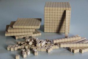 Dienes Grundsortiment aus RE-Wood®, 121 Teile