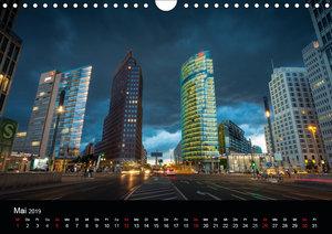 Die Blaue Stunde in Berlin (Wandkalender 2019 DIN A4 quer)