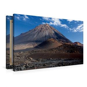 Premium Textil-Leinwand 90 cm x 60 cm quer Feuerberg auf Cabo Ve