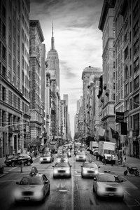 Premium Textil-Leinwand 60 cm x 90 cm hoch NEW YORK CITY 5th Ave