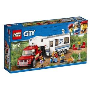 City Pickup & Wohnwagen