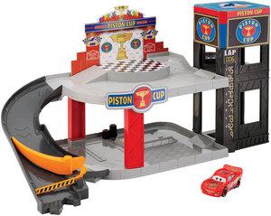 Mattel Cars Piston Cup Rennbahn-Parkhaus