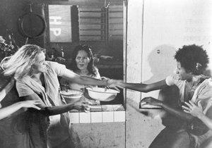 Frauen in Ketten