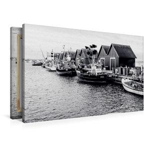 Premium Textil-Leinwand 90 cm x 60 cm quer Fischerhütten am Weiß