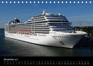 Kreuzfahrtschiffe Rostock (Tischkalender 2017 DIN A5 quer)