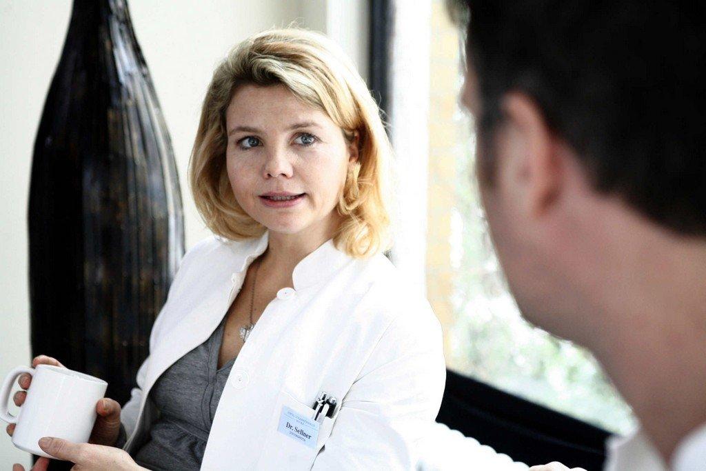 Annette Frier - Achtung Arzt! - zum Schließen ins Bild klicken
