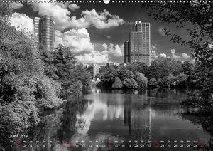 Düsseldorf Ansichten in Schwarz-Weiß (Wandkalender 2019 DIN A2 q
