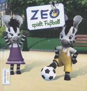 Zeo - Zeo spielt Fussball