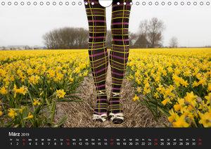 Tanzende Beine (Wandkalender 2019 DIN A4 quer)