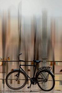 Premium Textil-Leinwand 50 cm x 75 cm hoch Fahrrad - abstrakt