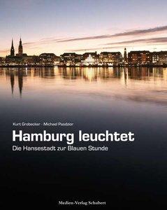 Hamburg leuchtet - die Hansestadt zur Blauen Stunde