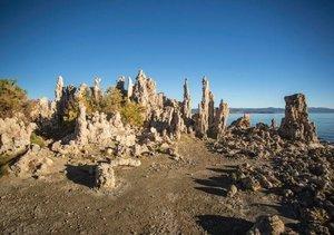 Mono Lake - bizarre Kalktuff-Gebilde (Tischaufsteller DIN A5 que
