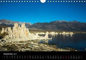 Mono Lake - bizarre Kalktuff-Gebilde (Wandkalender 2017 DIN A4 q