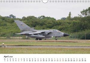 Militärjets Panavia Tornado (Wandkalender 2019 DIN A4 quer)