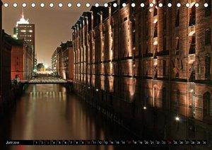 Hamburg bei Nacht (Tischkalender 2018 DIN A5 quer)