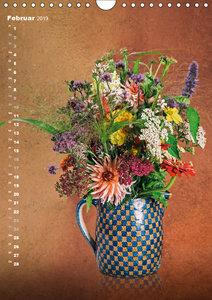 Blumenschmuck in Bunzlau Keramik (Wandkalender 2019 DIN A4 hoch)