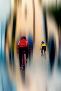 Premium Textil-Leinwand 30 cm x 45 cm hoch Radsport - abstrakt