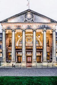 Premium Textil-Leinwand 80 cm x 120 cm hoch Wiesbaden