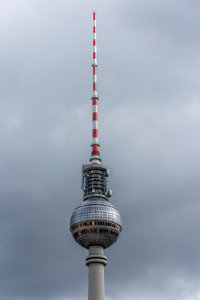 Premium Textil-Leinwand 50 cm x 75 cm hoch Fernsehturm Berlin