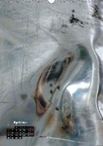 UTOPIA 2015 - Reflections in a steel sculpture / UK-Version (Wa