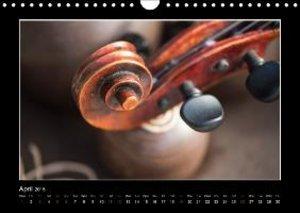 A violin only (Wall Calendar 2015 DIN A4 Landscape)