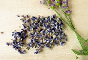 Premium Textil-Leinwand 75 cm x 50 cm quer Getrocknete Lavendelb