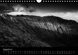 Calendar Nr. 1 / 2015 CORVO ISLAND IN THE SOLITUDE OF THE ATLANT