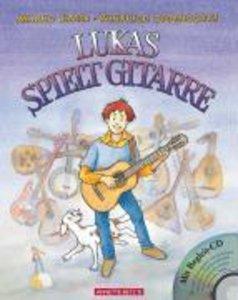 Lukas spielt Gitarre