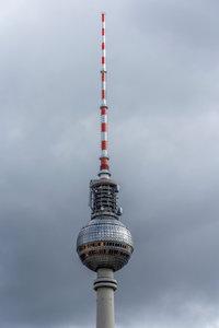 Premium Textil-Leinwand 30 cm x 45 cm hoch Fernsehturm Berlin
