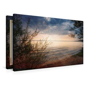 Premium Textil-Leinwand 90 cm x 60 cm quer Seeufer Chiemsee bei