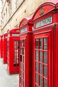 Premium Textil-Leinwand 60 cm x 90 cm hoch London: Telefonzellen