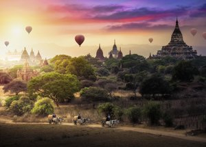 Heißluftballons über Myanmar